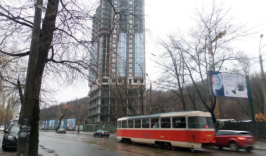 3m2_podil_plaza_tram.jpg