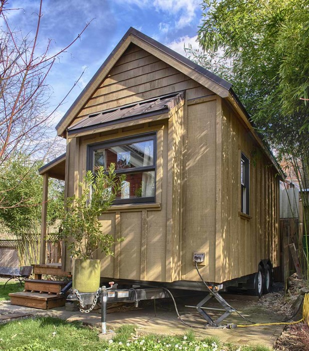 Sweet-Pea-Tiny-House-Hitch-and-Back-Side.jpg